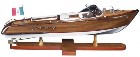 Модель катера  Aquarama,  Authentic models