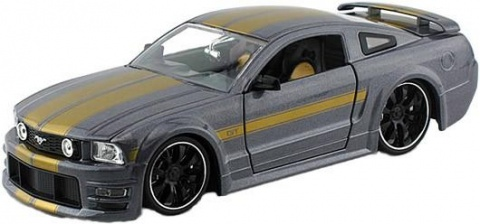 ���������� Ford Mustang GT2005 1:24 Jada Toys